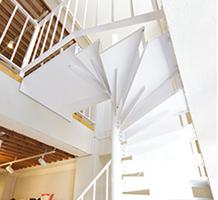スチール製螺旋階段