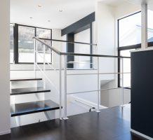 空間と空間をつなぐデザイン階段