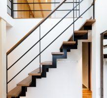 スチール階段サンダータイプ
