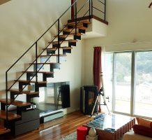 階段塗装の施工