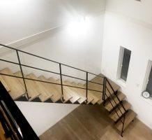 ストレート階段L型 階段手摺り、2階廊下手摺り