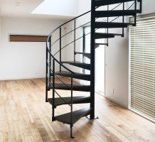 螺旋階段の施工