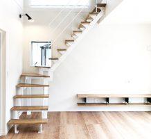 ストレート階段