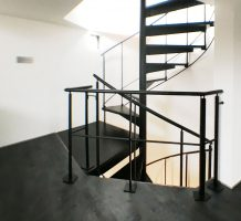 螺旋階段、1階から3階